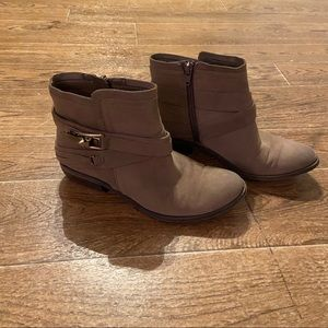 Fergalicious | slouchy booties